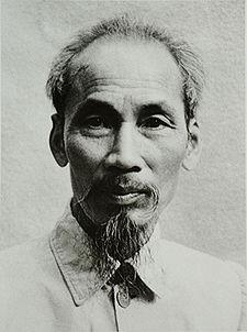 VTT 27 Ho_Chi_Minh_1946