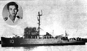 2014 JAN 17 Hạm trưởng Ngụy Văn Thà và con tàu HQ-10 Nhật Tảo. 300