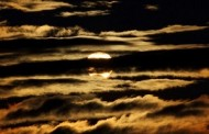 roberto wissai poetry: SOLAR ECLIPSE