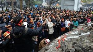 2014 APR 26 hanoi_protest_300
