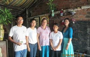 2014 JUNE 25 Chúng tôi và gia đình ông Hào.jpg300