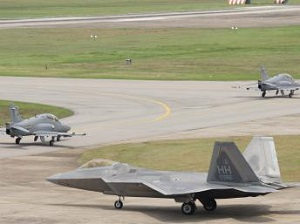 2014 JULY 4 USA F-22 RAPTOR.jpg300
