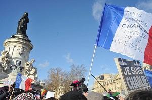 2015 jan 13 Marche_hommage_Charlie_hebdo_et_aux_victimes_des_attentats_de_janvier_2015_BB300 )