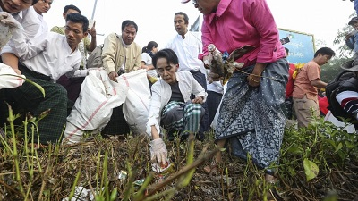 2015 DEC 30 VN-Myanmar. 400