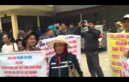 Tại trụ sở tiếp dân TWĐ Hà Nội ngày 19/1 năm 2016: Dân Chúng Hô Vang Phế Truất CS, Đả Đảo CS