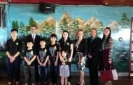 Nhân viên Bộ ngoại giao Hoa Kỳ thăm gia đình mục sư Nguyễn Công Chính