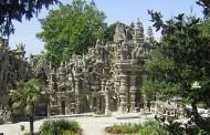 Giới Thiệu xứ Pháp, Du lịch và Nghệ thuật --- Lầu Đài Lý Tưởng của Anh Phát Thơ Cheval: Kiến Trúc Ngây Ngô hay Tuyệt Tác Siêu Thực