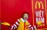 Ngoài cửa McDonald's