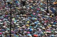 Hong Kong - Cách Mạng Dù Bung Cánh