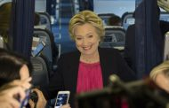 Giới Phân Tích: Bà Clinton Giành Phần Thắng Trong Cuộc Tranh Luận